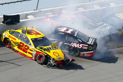 Crash for Joey Logano, Team Penske Ford, Kurt Busch, Stewart-Haas Racing Chevrolet