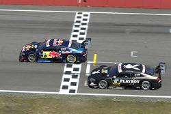 Mattias Ekstrom, del equipo Audi Sport Abt Sportsline en el Audi RS 5 DTM y Adrien Tambay, del equipo Audi Sport Abt, en el Audi RS 5 DTM,