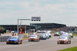 Andrew Jordan leads from the start of Round 7