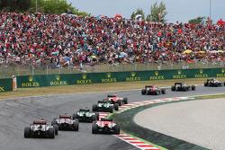 Pastor Maldonado, Lotus F1 E21 and Max Chilton, Marussia F1 Team MR03