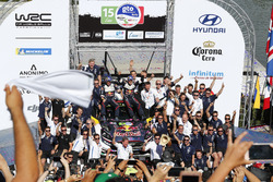Podium: Winners Sébastien Ogier, Julien Ingrassia, M-Sport Ford WRT Ford Fiesta WRC with the team