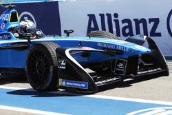 Nicolas Prost, Renault e.Dams,regresa a los boxes con un auto dañado