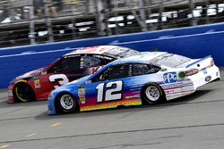 Ryan Blaney, Team Penske, Ford Fusion PPG and Austin Dillon, Richard Childress Racing, Chevrolet Camaro Dow Coatings