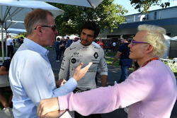 Martin Brundle, Sky TV, Carlos Sainz jr, Renault Sport F1 Team and Jacques Villeneuve, Sky Italia