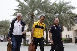 Керівник Red Bull Racing Крістіан Хорнер, консультант Red Bull Гельмут Марко, керівник Renault Sport F1 Сіріль Абітбуль