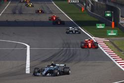 Valtteri Bottas, Mercedes AMG F1 W09, Sebastian Vettel, Ferrari SF71H, Lewis Hamilton, Mercedes AMG F1 W09, Max Verstappen, Red Bull Racing RB14 Tag Heuer, and Kimi Raikkonen, Ferrari SF71H