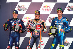 Топ-3 після кваліфікації: друге місце Маверік Віньялес, Yamaha Factory Racing, володар поул-позиції Марк Маркес, Repsol Honda Team, третє місце Андреа Янноне, Team Suzuki MotoGP