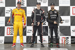 Ryan Hunter-Reay, Andretti Autosport Honda, Josef Newgarden, Team Penske Chevrolet, James Hinchcliffe, Schmidt Peterson Motorsports Honda, sur le podium
