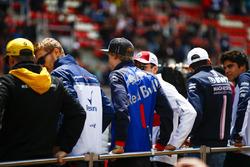 Нико Хюлькенберг, Renault Sport F1 Team, Сергей Сироткин, Williams, Брендон Хартли, Scuderia Toro Rosso, Шарль Леклер, Alfa Romeo Sauber, Эстебан Окон, Sahara Force India F1, и Лэнс Стролл, Williams