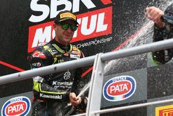 Podio: il vincitore della gara Jonathan Rea, Kawasaki Racing