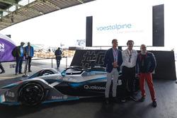 David Coulthard, piloto de carreras británico, presentador de televisión, Alejandro Agag, director ejecutivo de Formula E, Dr. Wolfgang Eder, presidente y CEO de Voestalpine AG