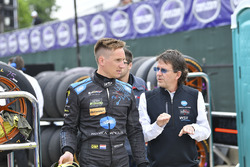 #10 Wayne Taylor Racing Cadillac DPi, P: Renger van der Zande, and team owner Wayne Taylor