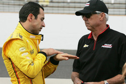 Helio Castroneves und Rick Mears