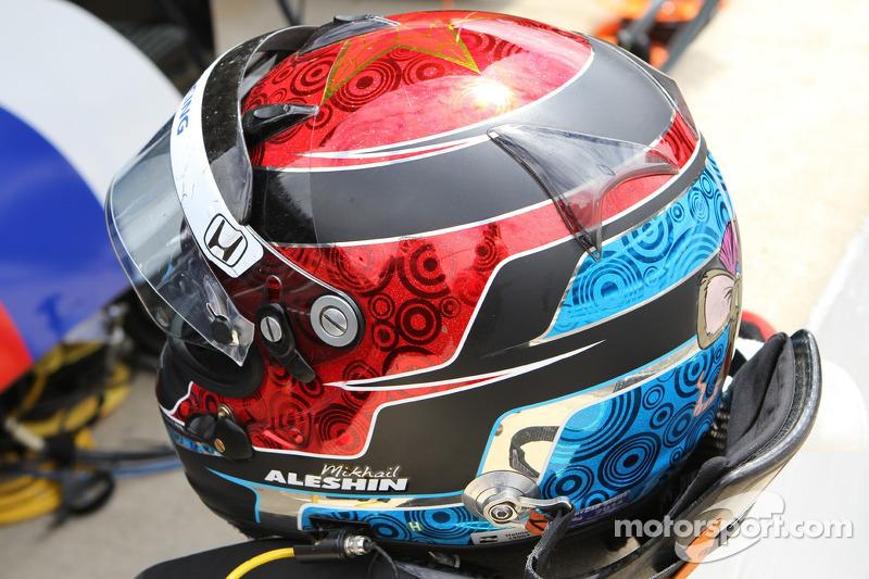 Il casco di Mikhail Aleshin