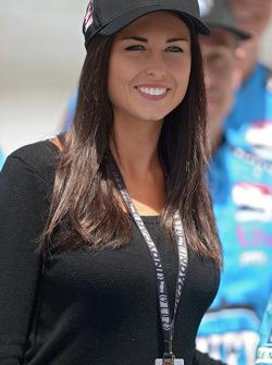 Kirsten Dee, novia de James Hinchcliffe