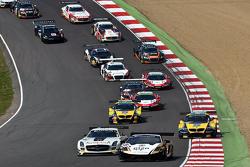 Largada: #28 Grasser Racing Team Lamborghini LFII: Hari Proczyk, Jeroen Bleekemolen