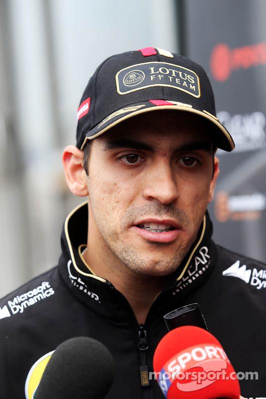 Pastor Maldonado, Lotus F1 Team, com a mídia