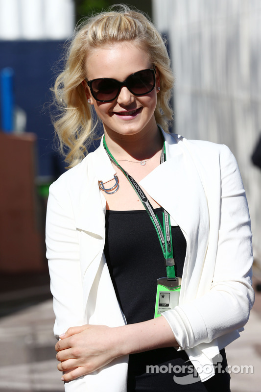 Emilia Pikkarainen, Freundin von Valtteri Bottas