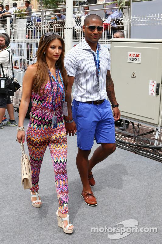 Glenn Johnson, Calciatore del Liverpool FC con la moglie Laura Johnson
