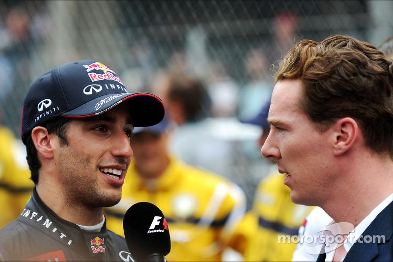(L to R): Daniel Ricciardo, Red Bull Racing with Benedict Cumberbatch, Actor