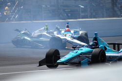 Ed Carpenter, Ed Carpenter Racing Chevrolet and James Hinchcliffe, Andretti Autosport Honda crashes