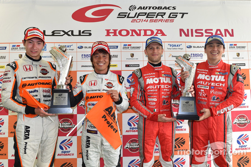 Vincitori GT500 Tsugio Matsuda e Ronnie Quintarelli e vincitori GT300 Shinichi Takagi, Takashi Kobayashi