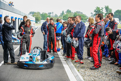 Media/drivers karting race: members of the media briefing