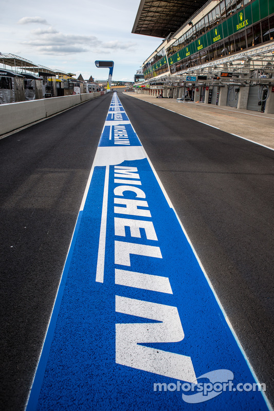 Novo Michelin no pitlane
