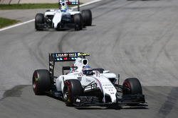 Valtteri Bottas, Williams FW36 ve takım arkadaşı Felipe Massa, Williams FW36