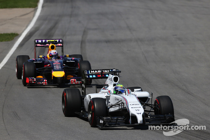 Felipe Massa, Williams FW36 ve Daniel Ricciardo, Red Bull Racing RB10