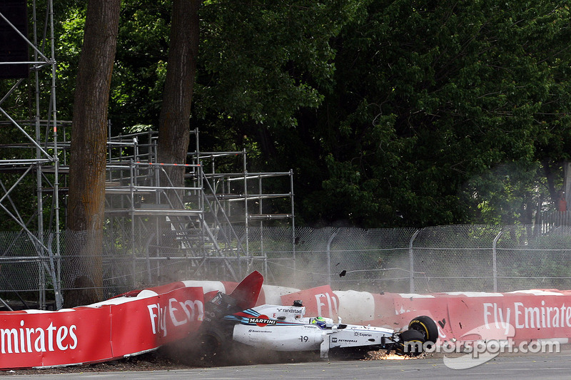 Felipe Massa, Williams FW36 and crashes on the last lap of the race