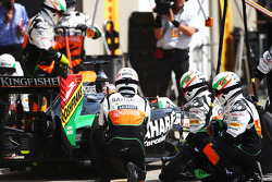 Nico Hulkenberg, Sahara Force India F1 VJM07 makes a pit stop