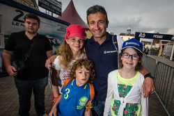 Nicolas Minassian with fans