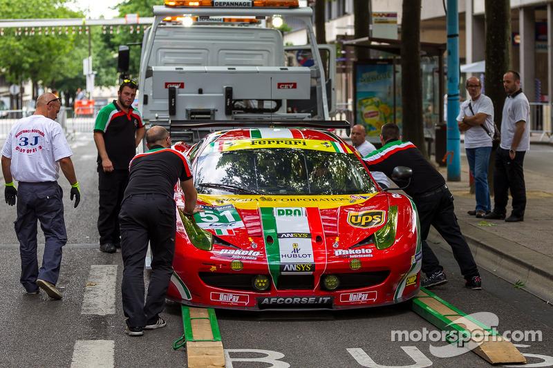 #51 AF Corse 法拉利 458 Italia 离开车检区