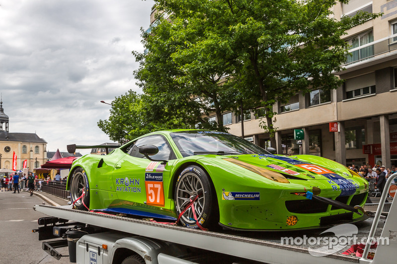 #57 Krohn Racing 法拉利 458 Italia 抵达验车区