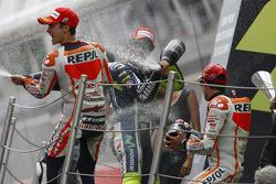 Podium: Marc Marquez, Valentino Rossi und Dani Pedrosa feiern