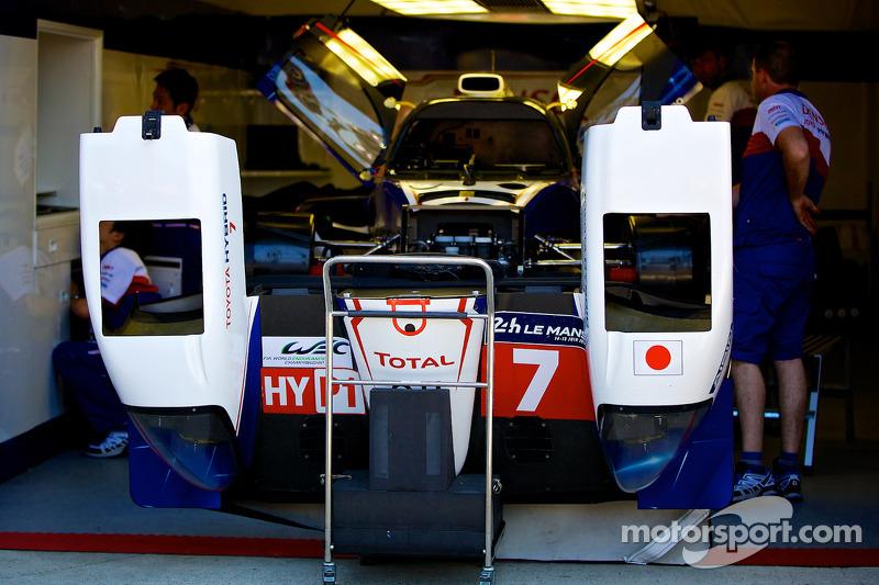 #7 丰田车队 丰田 TS 040 - Hybrid: