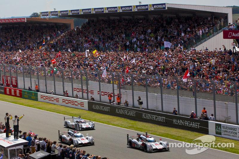 Vincitore #2 Audi Sport Team Joest Audi R18 e-tron quattro: Marcel Fässler, Andre Lotterer, Benoit Tréluyer