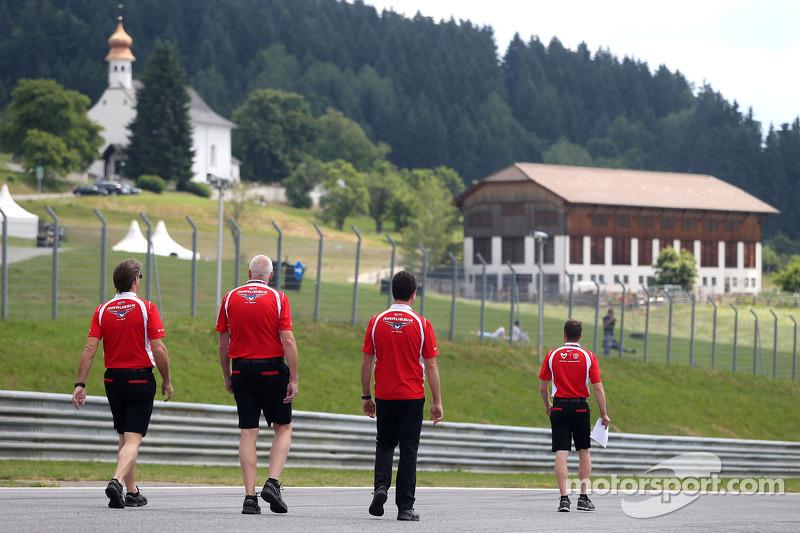 John Booth, Marussia F1 Team Team Principal, Dave O 'Neill, Marussia F1 Team Manager e Graeme Lowdon, Marussia F1 Team Amministratore Delegato