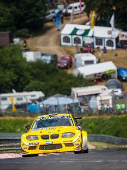 #104 MSC-Rhön e.V.i. ADAC BMW 1M-Coupé: Pierre de Thoisy, Maxence Maurice, Eric van de Vyver