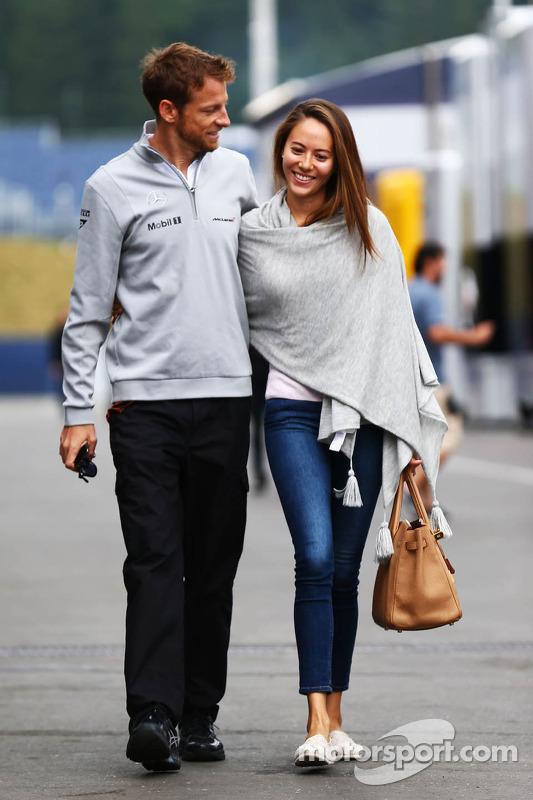 Jenson Button, McLaren e Jessica Michibata