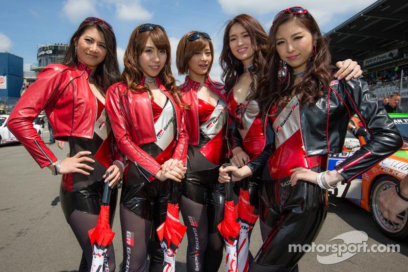 Gazoo Racing kızları