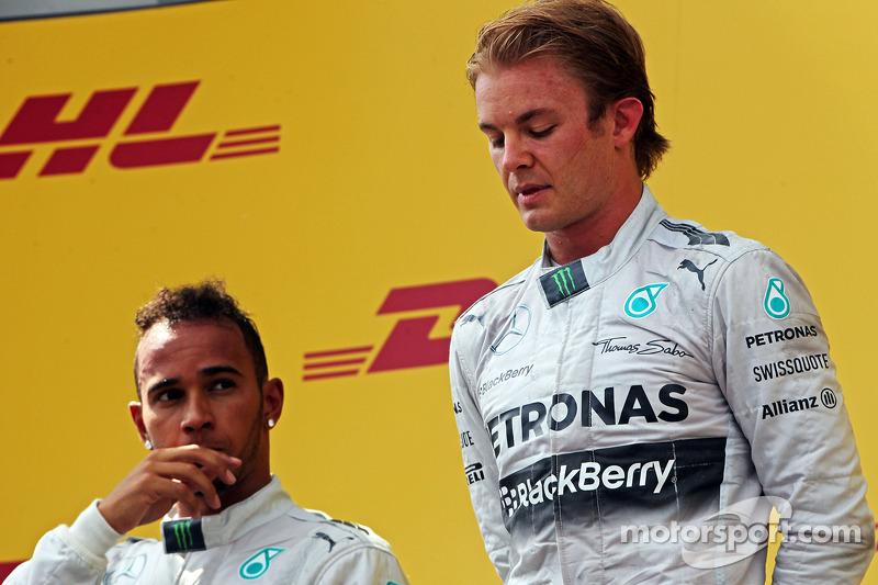 Il podio,  Lewis Hamilton, Mercedes AMG F1 con il compagno di squadra e vincitore della gara di Nico Rosberg, Mercedes AMG F1