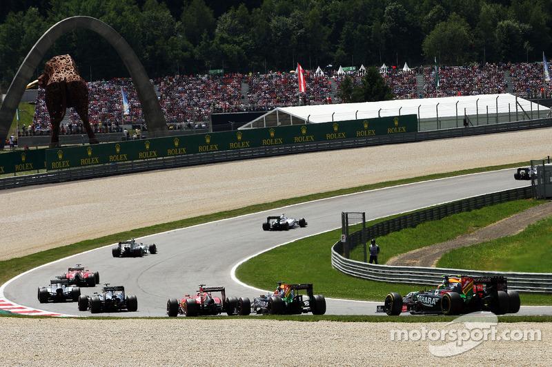 Sergio Perez, Sahara Force India F1 VJM07, alla partenza