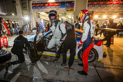 Pit stop for #120 LMS Engineering Audi TT RS: Daniela Schmid, Christopher Tiger, Roland Botor, Constantin Kletzer