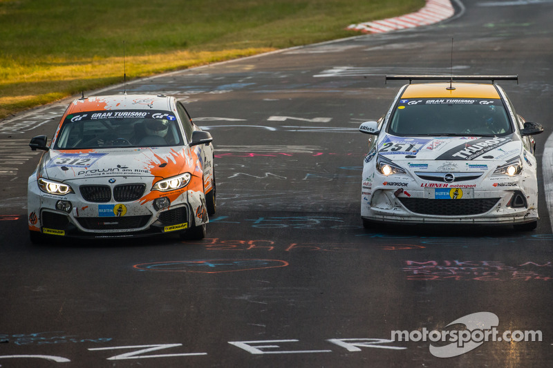 #312 BMW M235i Racing: Jörg Wiskirchen, Carsten Welschar, David Ackermann, #251 Lubner Event & Motor
