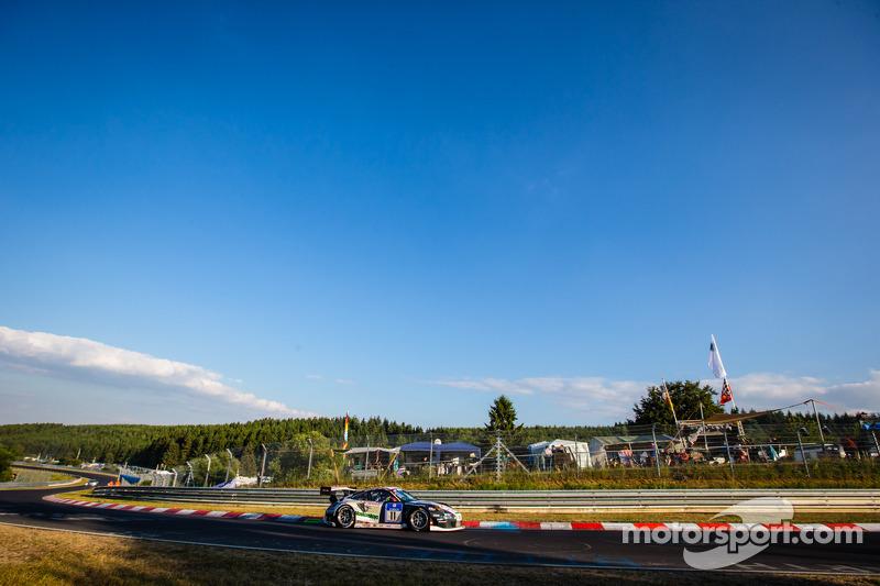 #11 Wochenspiegel Team Manthey Porsche 911 GT3 RSR: Georg Weiss, Oliver Kainz, Michael Jacobs, Joche