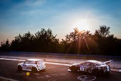 #133 BMW Mini JCW: Ralf Zensen, Lothar Wilms, Jürgen Bretschneider, #24 Schulze Motorsport Nissan GT