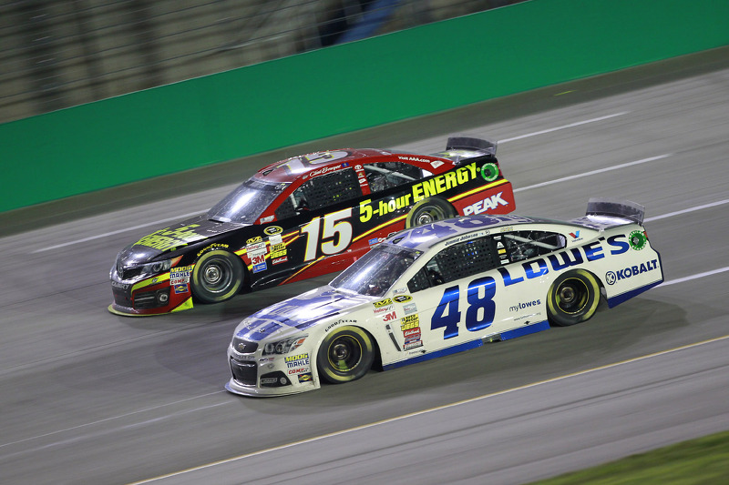 Clint Bowyer ve Jimmie Johnson