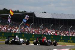 Valtteri Bottas, Williams FW36; Sebastian Vettel, Red Bull Racing RB10